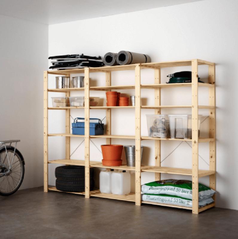 Prateleiras de madeira para dispensa, depósito ou mesmo para mostruário de loja.
