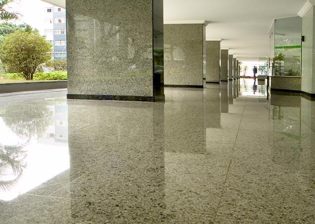 Pedras decorativas para revestimentos fachadas e jardins for Tipos de granito para pisos