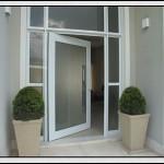 modelo de porta de vidro externa