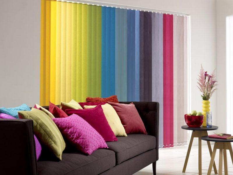 Persianas coloridas para a decoração de ambiente'