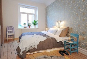 decoração de quarto de casal com cores claras