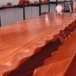 mesa de madeira trabalhada