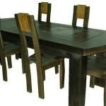 mesas de madeira escura