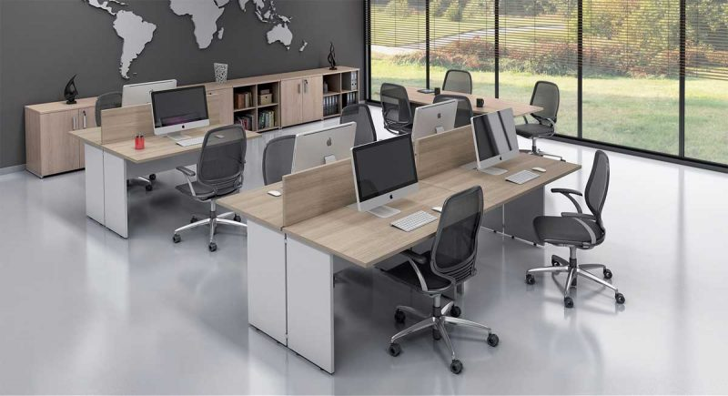 Móveis para escritório extremamente simples, uma estação de trabalho que pode ser modulada.