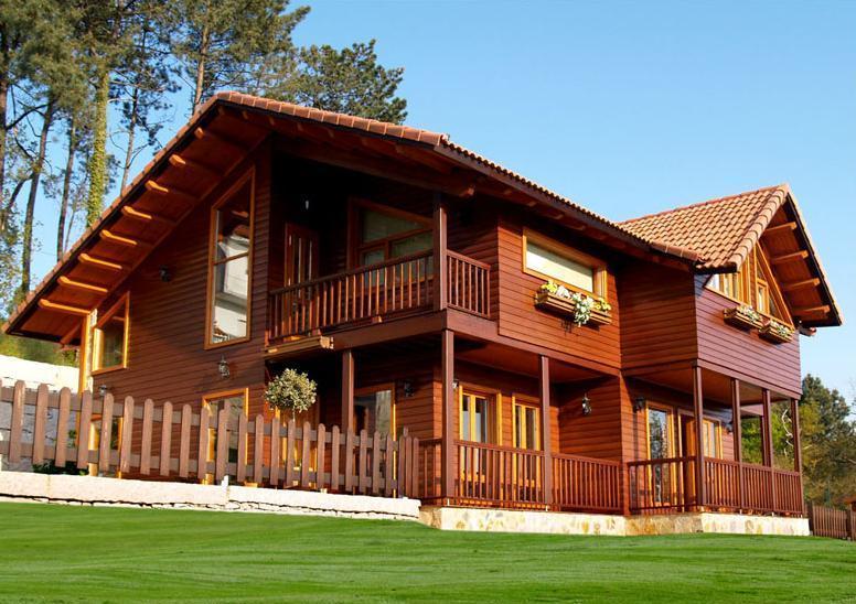 casa de madeira em sítio