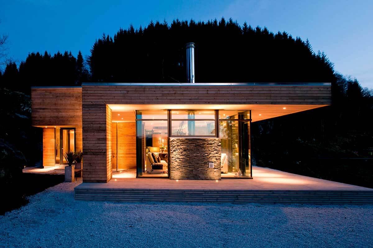 Casa Iluminada de madeira, de arquitetura moderna