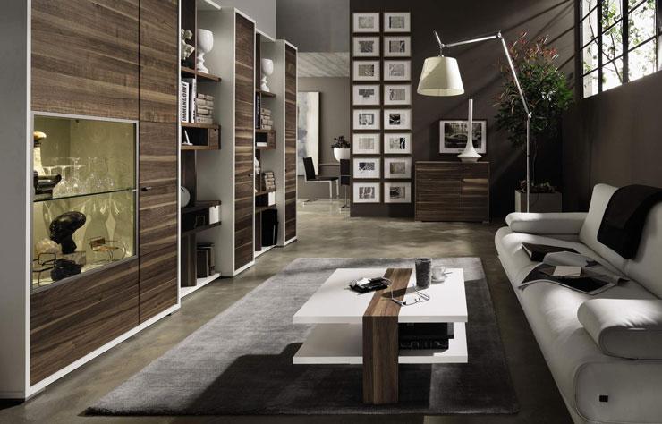 Decoração Minimalista de sala de apartamento com toques de madeira nos móveis