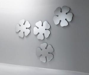 espelhos forais decorativos na parede
