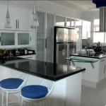 Foto de ampla cozinha palejada