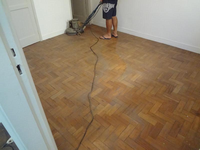 lixação em piso e tacos para envernizamento