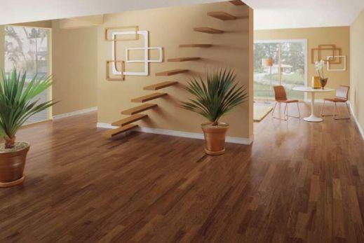 piso com verniz fosco aplicado