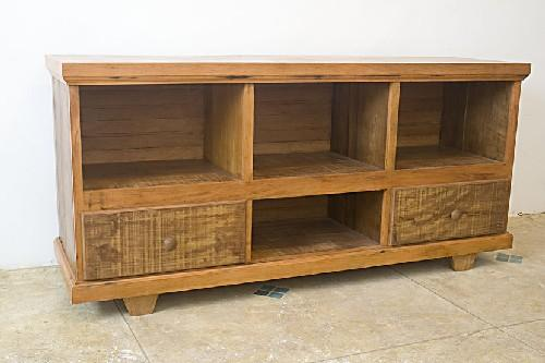 Rack em madeira rústica