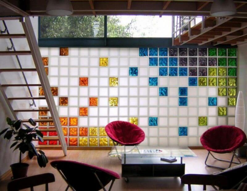 Diferentes cores e tonalidades para um mesmo padrão de bloco de vidro ondulado