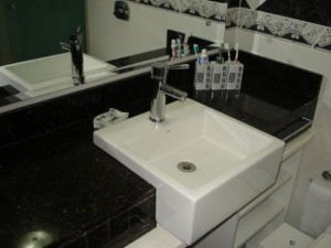 Pia para banheiro quadrada