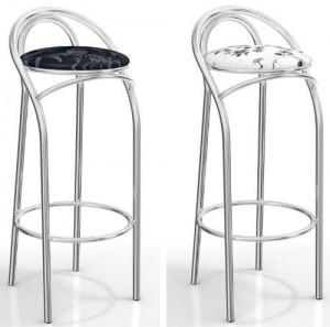 cadeiras monocromáticas