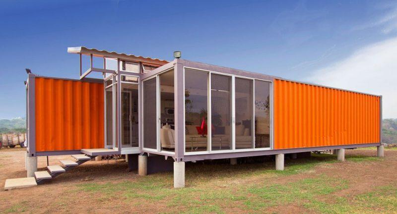 Exemplo do reuso do container em casa com estrutura reaproveitada do material.