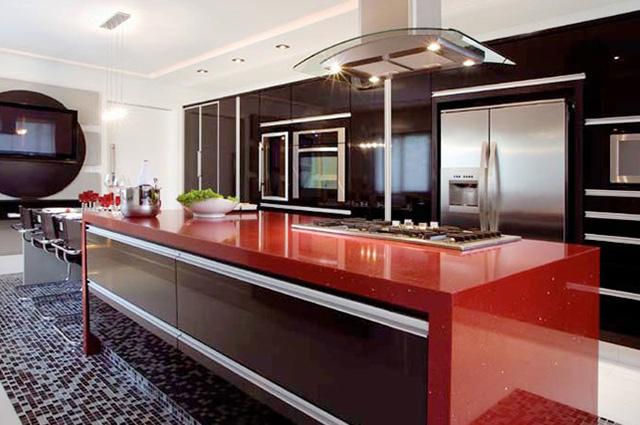 Cozinha com balcão Silestone Vermelho