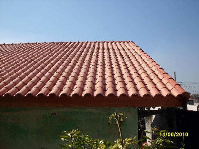 telhado com telha portuguesa
