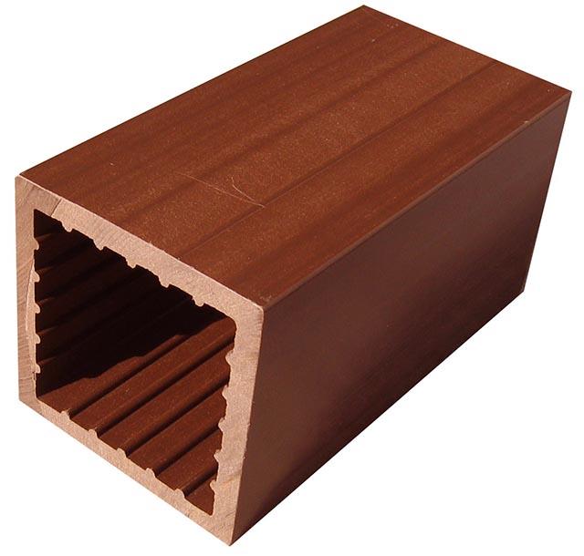 Viga de madeira plástica