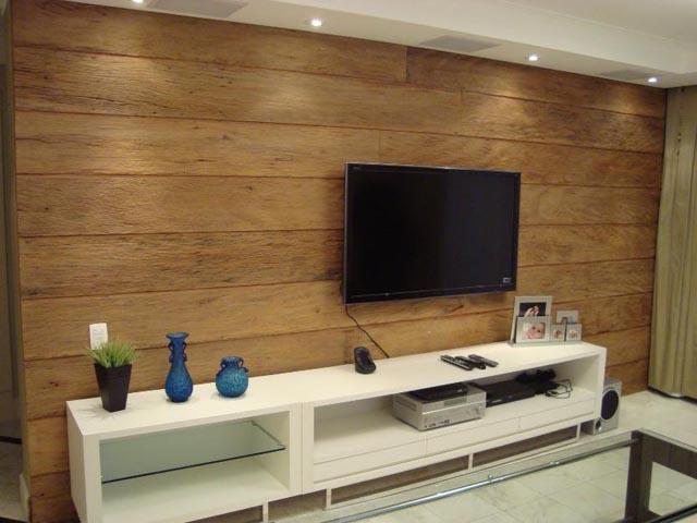 Rack e painel de madeira