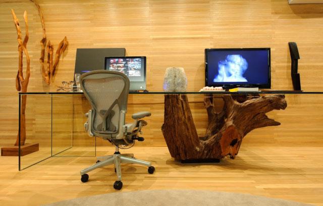 Mesa de tronco de madeira