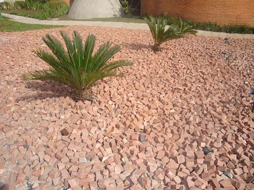 pedras para jardim em sorocaba:Pedra Portuguesa – Preço, cores, branca e preta