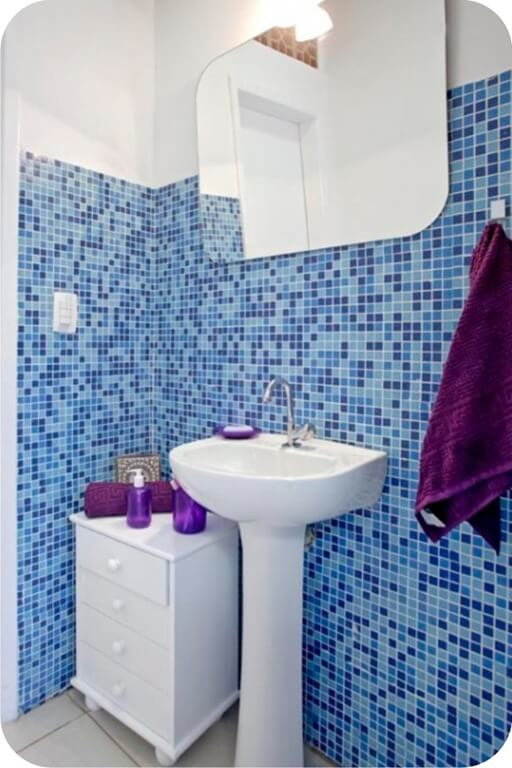 Banheiros com Pastilhas -> Banheiro Com Pastilha De Vidro No Chao