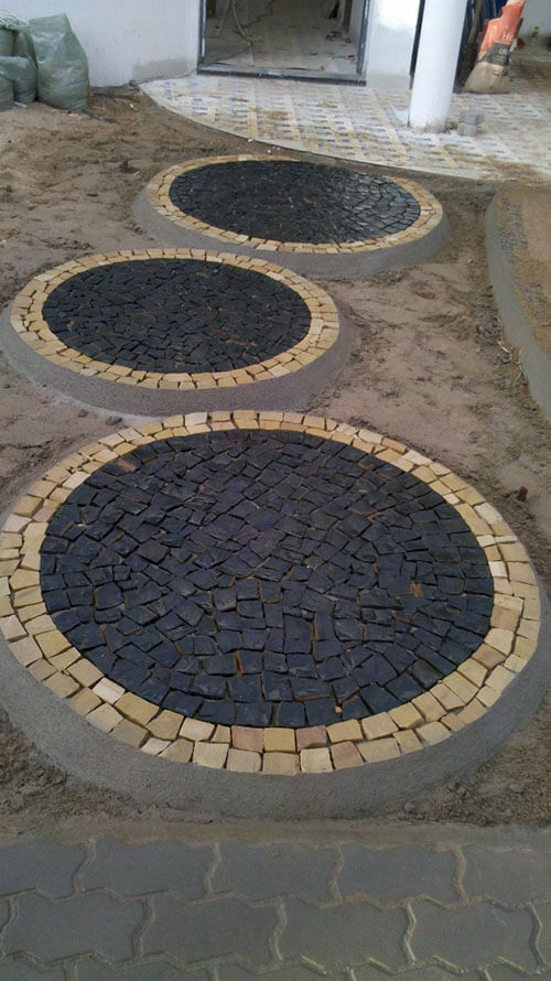 mosaicos redondos para passagem em pedra portuguesa