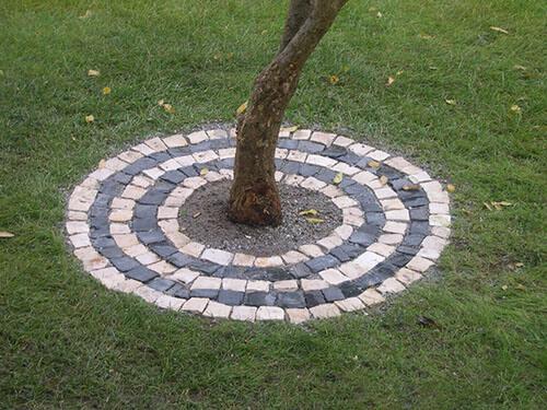 nicho para árvore em pedra portuguesa