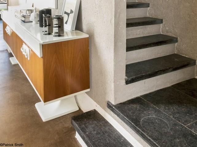 escada com revestimento em ardósia