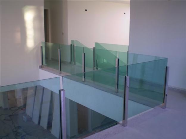guarda de vidro em segundo pavimento