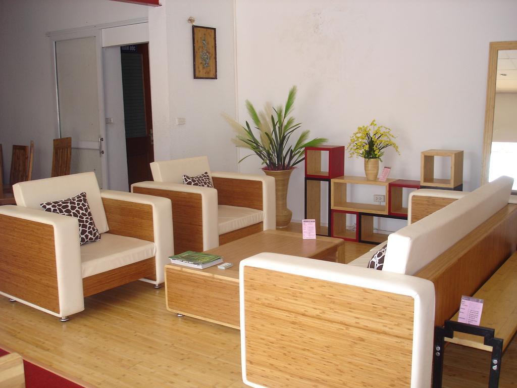 4- Móveis de Bambu: Sala decorada com bambu