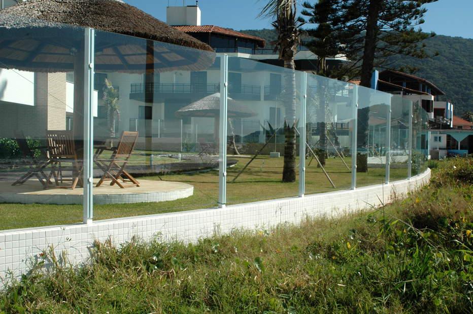 Muro de vidro laminado