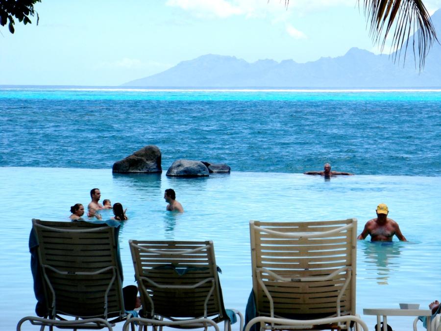 Piscina Infinita resort Tahiti (Polinésia Francesa)