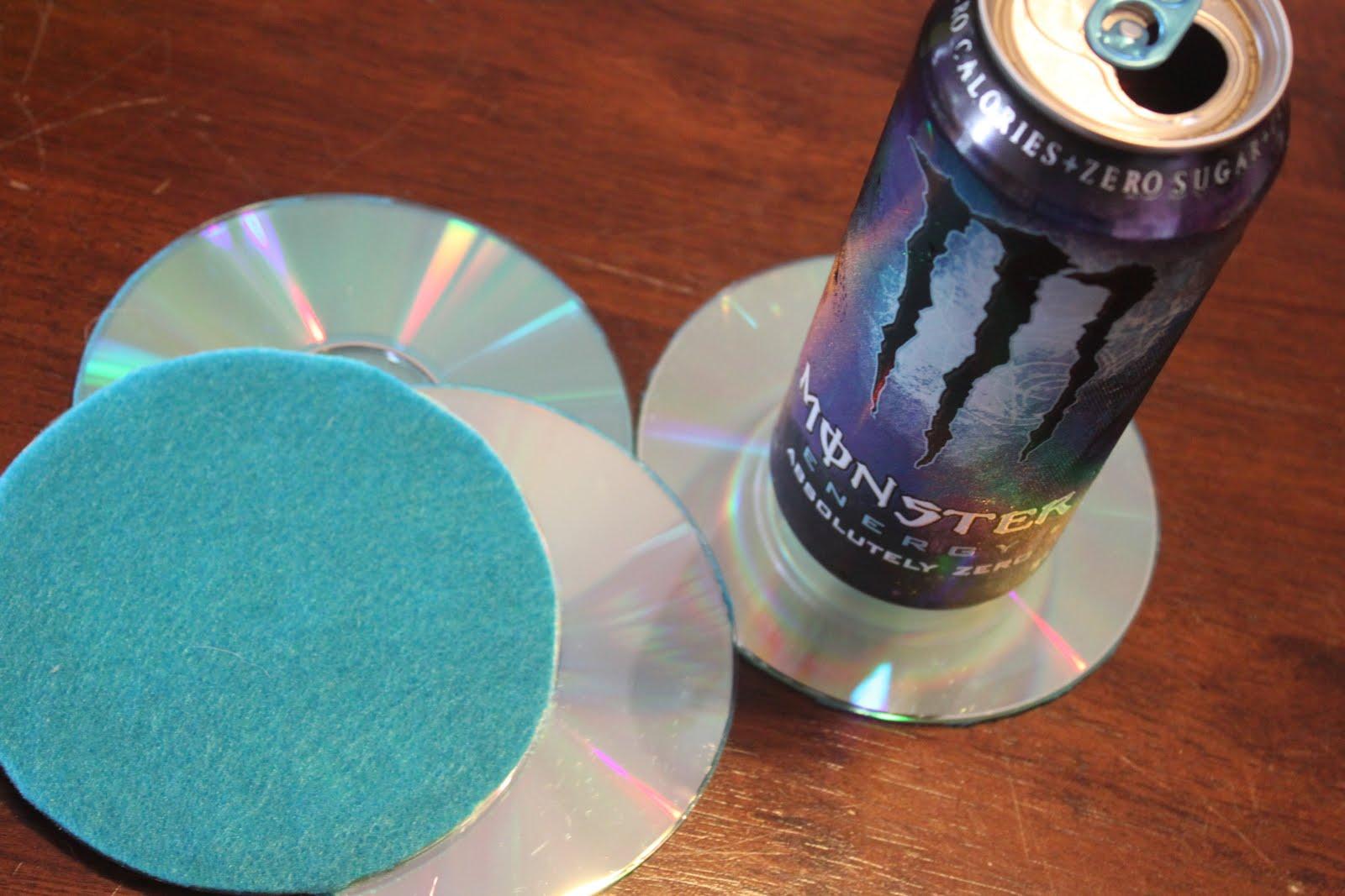 Porta copos reciclados com cd antigo