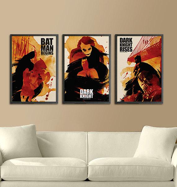 4 - Posters de filme estilizados decorando a sala
