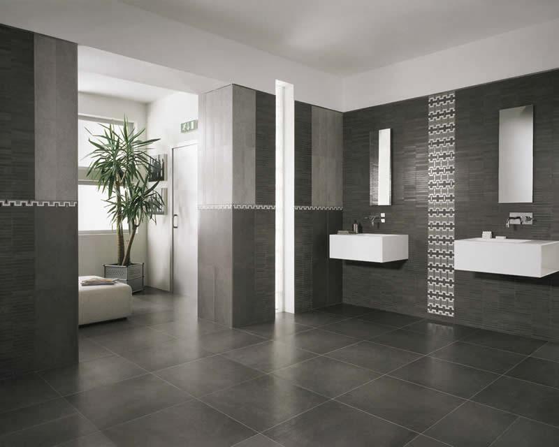 3 - Porcelanato Retificado: Banheiro decorado com piso no tom de grafite