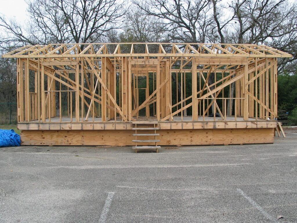 Estrutura de casa americana construída em wood frame