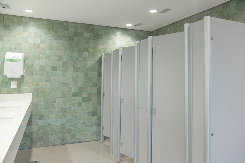 Divisórias de PVC para sanitários