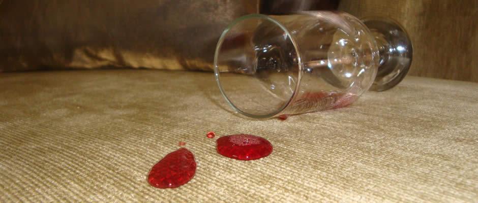 Impermeabilização de sofás e estofados evita dores de cabeça na hora de fazer a limpeza