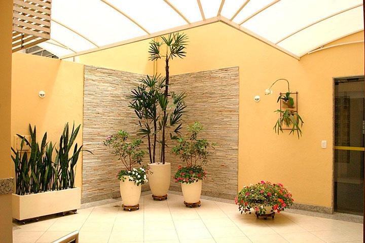 jardim de inverno interno, para residência com teto translúcido
