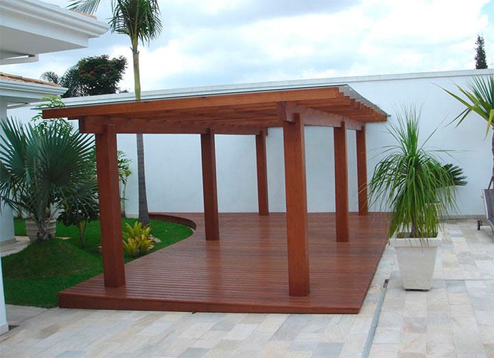 pergolado com cobertura de vidro - uma ótima opção para garagens e espaços de convivência no jardim