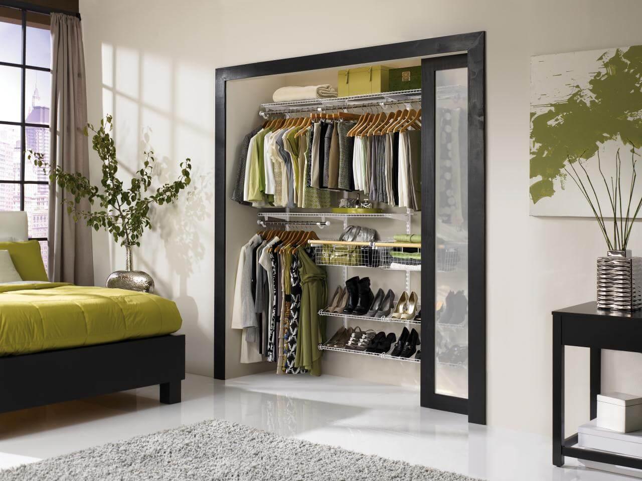 95 ideias de closet pequeno como planejar organizar - Storage ideas for small bedroom closets ...