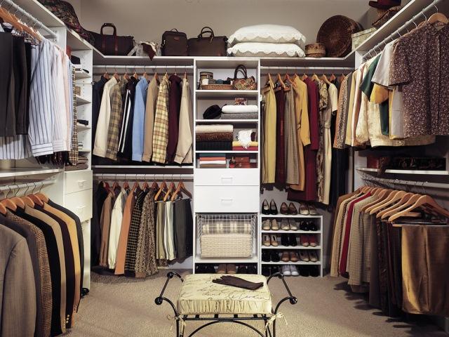 Closet de modelo clássico, como todo mundo gostaria de ter em casa