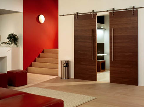 porta de correr dupla em madeira para a sala