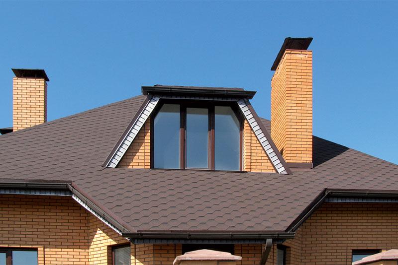 telhado francês estilo Mansarda
