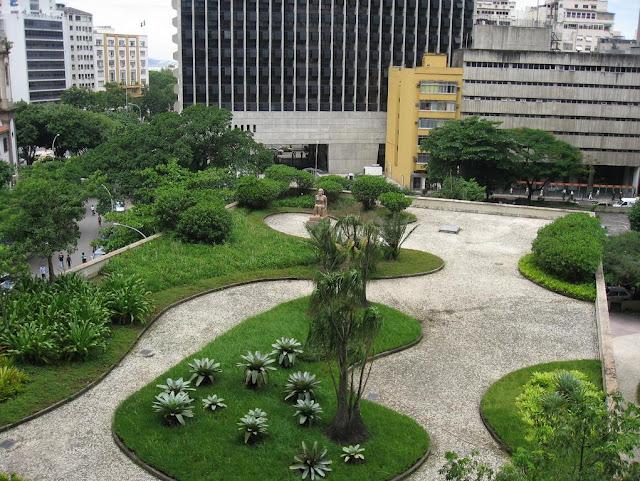 Terraço Jardim do palácio Capanema, importante prédio moderno brasileiro