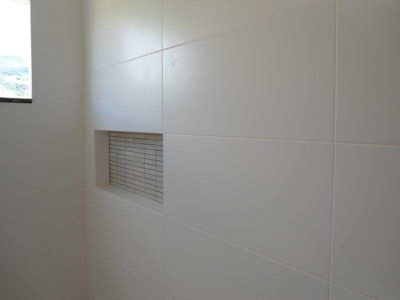 Rejunte Epóxi aplicado em cerâmicas de revestimento do banheiro