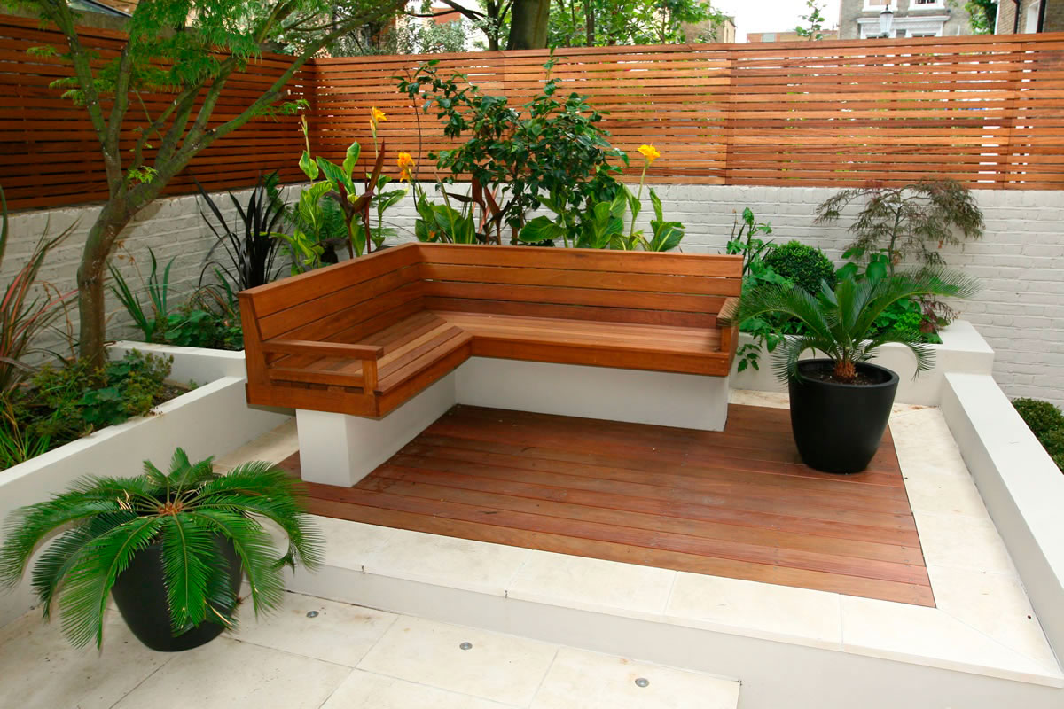 fotos jardins pequenos residenciais:Small Garden Decking Ideas