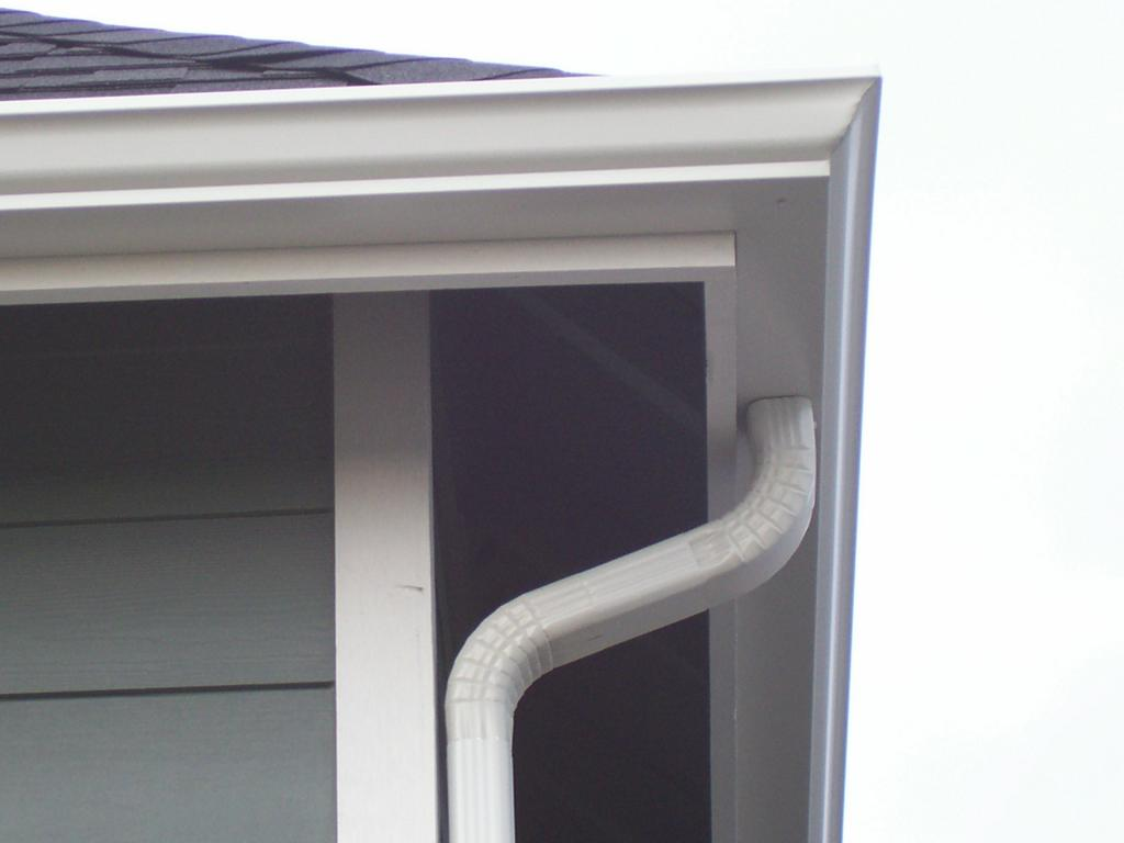 Calha metálica em telhado do tipo convencional